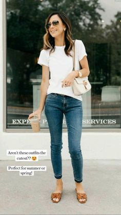 Summer Outfits For Moms, Casual Outfits For Moms, Basic Outfits, Simple Outfits, Cute Outfits, Casual Jeans Outfit Summer, Jeans And T Shirt Outfit, Casual Chic Summer, Spring Outfits