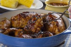 Skillet Barbecued Chicken - Who says you have to go outside to make an amazing BBQ dinner? With our recipe for Skillet - Best Bbq Chicken, Barbecued Chicken, Tandoori Chicken, Chicken Bar, Chicken Sauce, Chicken Wings, Barbecue Recipes, Beef Recipes, Chicken Recipes