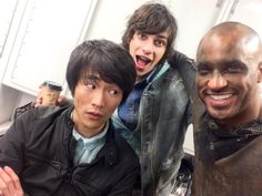 The 100 cast behind the scenes || Christopher Larkin, Devon Bostick and Ricky Whittle || Monty Green, Jasper Jordan and Lincoln