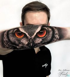 Today we're going to step again into the world of animal tattoos bringing you 50 of the most beautiful owl tattoo designs, explaining their meaning. Wolf Eye Tattoo, Tiger Eyes Tattoo, Animal Tattoos, Owl Tattoos, Tattoo Ink, Body Art Tattoos, Fish Tattoos, Owl Tattoo Design, Tattoo Designs