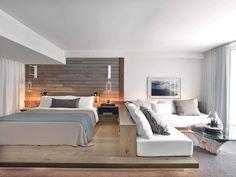 Modern Hotel Room, Modern Bedroom, Luxury Hotel Rooms, Modern Bedding, Black Bedding, Luxury Hotels, Luxury Bedding, Built In Sofa, Bedroom Designs