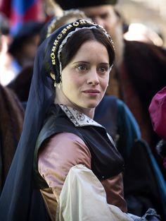 Claire Foy as Anne Boleyn in Wolf Hall (TV Mini-Series, [x] Anne Boleyn, Downton Abbey, Wolf Hall, Tudor Fashion, The White Princess, Tudor Era, Medieval, Mary I, Queen Of England