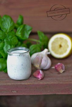Sos Feta (idealny do karkówki z grilla) – Smaki na talerzu Feta, Garlic, Good Food, Food And Drink, Snacks, Vegetables, Impreza, Dressing, Crickets