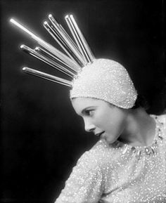 Ретрофутуризм. Retrofuturism - Dancer Tilly Losch, early 1930s.