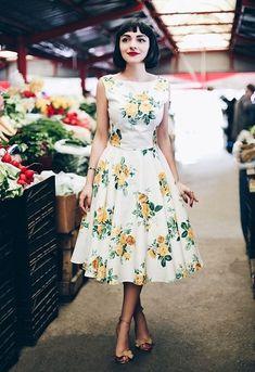 50 Stylish Wedding Guest Dresses That Are Sure To Impress Vestidos Vintage, Vintage Dresses, Vintage Outfits, Vintage Fashion, Retro Fashion 50s, 50s Dresses, Vintage Shoes, Pretty Outfits, Pretty Dresses