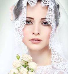 Συγκεντρώνει τις καλύτερες επιχειρήσεις της Αθήνας, τα περισσότερα νυφικά της πόλης,και είναι η πρώτη έκθεση της χρονιάς με αποτέλεσμα οι μελλόνυμφοι που την επισκέπτονται να έχουν ιδιαίτερο ενδιαφέρον να δουν και να μάθουν τις προσταγές της Μόδας για το γάμο που ετοιμάζουν. Συλλειτουργεί με τη Bridal Fashion Week Athens, τη μοναδική διοργάνωση που παρουσιάζει τις καλύτερες σχεδιαστικές υπογραφές σε νυφικά και βραδινά ενδύματα