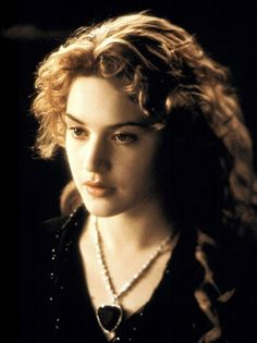 Heart of the Ocean Necklace, Kate Winslet, Titanic 1997. screen-gems