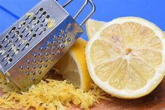 Check out these nine ways to use lemon peel that may surprise you! For example, lemon peels can naturally help improve the appearance of our skin. Health And Wellness, Health Tips, Lemon Uses, Juice, Cancer, Canning, Food, Super, Check