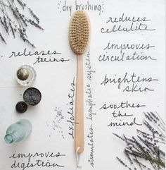 Do you have your beauty rituals? I usually start my day with dry body brushing. The Benefits Of Dry Body Brushing are amazing! Beauty Care, Diy Beauty, Beauty Hacks, Beauty Trends, Beauty Skin, Beauty Guide, Homemade Beauty, Beauty Secrets, Fashion Beauty