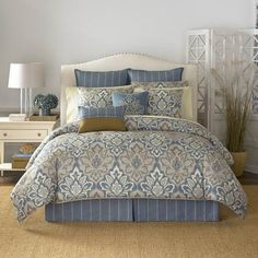 Get inspired by Traditional Bedroom Design photo by Wayfair. Wayfair lets you find the designer products in the photo and get ideas from thousands of other Traditional Bedroom Design photos. King Size Comforter Sets, King Size Comforters, Queen Bedding Sets, King Comforter, Croscill Bedding, Damask Bedding, Luxury Bedding, Floral Comforter, Where To Buy Bedding