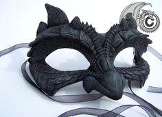 Maschera viso drago oscuro di LisaSell su Etsy