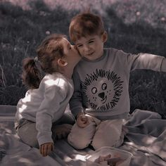 Cute Little Baby, Cute Baby Girl, Little Babies, Cute Babies, Baby Kids, Baby Boy, Cute Family, Baby Family, Family Goals
