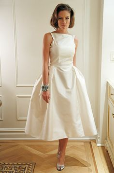 Retro wedding dress-- how different is this?! We love this bride's originality! Would you rock something like this? Share with a comment!