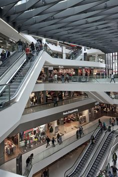 Kaufhaus Tyrol by David Chipperfield Architects Mall Design, Retail Design, David Chipperfield Architects, Shopping Malls, Atrium, Shopping Center, Skylight, Interior Architecture, Building A House