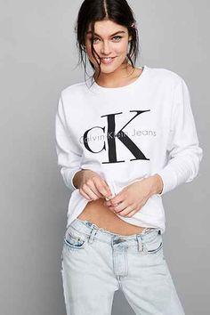 Calvin Klein Sweatshirt Calvin Klein Jumper, Calvin Klein Women, Calvin  Klein Outfits, Urban cd77dcb31d