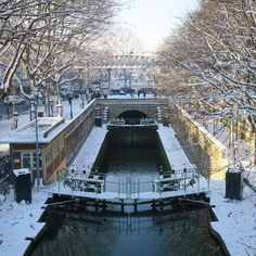 La galerie de l'Ourcq sous la neige. Entre Canal Saint-Martin et Bassin de la Villette, Paris 19ème.
