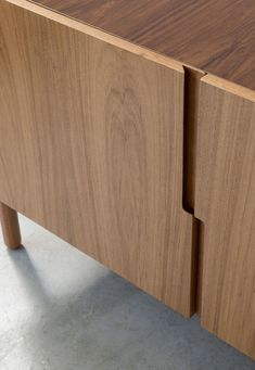 Furniture suggestion to consider today. Check out the creativ decor reference 5958762040 now. Furniture Handles, Cabinet Furniture, Wood Furniture, Modern Furniture, Furniture Design, Wardrobe Door Designs, Wardrobe Design Bedroom, Wardrobe Doors, Joinery Details