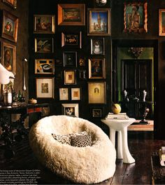 Gwynn Griffith Elle Decor...love the chair