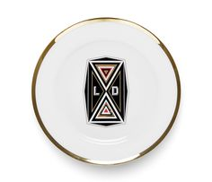 For the international design boutique Spazio Pontaccio, Le Dictateur has created LE D.ISH, designed by Federico Pepe and manufactured by Bosa, an exclusive series of fine limited edition plates featuring the world of Le Dictateur and its unmistakable graphic style.