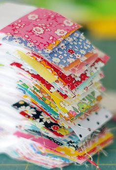 Quilting Ideas A Checkerboard Quilt and a Strip Piecing Tutorial - Red Pepper Quilts - Jellyroll Quilts, Scrappy Quilts, Easy Quilts, Mini Quilts, Strip Quilts, Patch Quilt, Rag Quilt, Quilt Blocks, Doll Quilt