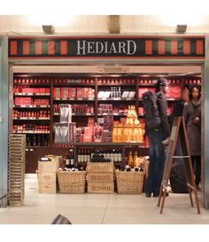 Hediard - Paris, Cafe Upstairs, serving food based on what is in season and ingredients from the shop.