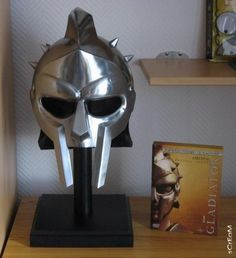 Gladiator (2000) movie props Gladiator Helmet 1 1