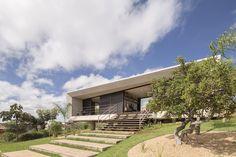 Solar da Serra House / 3.4 Arquitetura   ArchDaily
