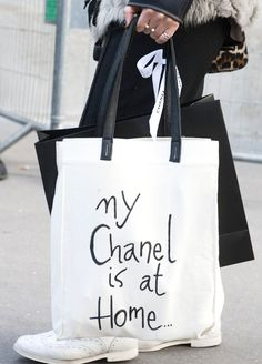 [ bags] Behold, the Best Accessories From the Paris Fashion Week Style Set: A black and white tote displayed a cheeky Chanel message. Sacs Tote Bags, Mk Bags, Canvas Tote Bags, Reusable Tote Bags, Paris Fashion, Fashion Bags, Fashion Shoes, Street Fashion, Fashion Week