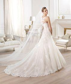 Wedding dress. Odariz Model. Collection Costura 2014. Pronovias 2014. Bateau neckline. Elegant bride