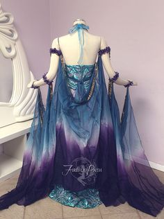 "lady-writes: "" headbutt-mutt: "" ketnep: "" figgerydoo: "" reginalucem: "" ""Art Nouveau Fantasy Gown by Firefly Path "" "" "" "" "" Ughhhhhhh, goals "" Estilo Tribal, Fantasy Gowns, Fantasy Clothes, Fairy Dress, Medieval Dress, Cool Costumes, Costume Design, Look Fashion, Pretty Dresses"