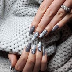 make up time is a moment to make makeup and beauty care. make up tips and make up tutorial will allow to improve your look. Christmas Nail Designs, Christmas Nails, Christmas Stuff, Beauty Care, Beauty Makeup, Nailed It, Make Makeup, Winter Nails, Nailart