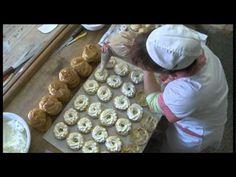 Věnečky z odpalovaného těsta - YouTube Pup, Muffin, Pudding, Breakfast, Youtube, Dog Baby, Baby Dogs, Puddings, Youtubers