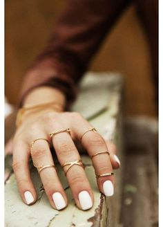 White manicure and jewelry 😍😍👌👌 Bling Bling, The Bling Ring, Cute Jewelry, Jewelry Accessories, Fall Jewelry, Summer Jewelry, Nailart Glitter, White Manicure, White Nails