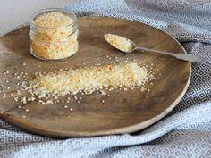 Pomerančová sůl se hodí nejen k rybám a mořským plodům, ale i na dochucení salátů a steaků. Vhodná je i jako jedlý dárek pro vaše blízké. Její chuť a vůně vás prostě a jednoduše nadchne…