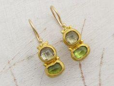 Peridot & Green Amethyst Ohrringe  24 k Solid Gold von Omiya