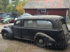 Very rare Volvo: from 1946 to 500 chassies where built, and they where made into pickup´s, ambulances, limousines, servi Volvo, Classic Cars Online, Ambulance, Good Things, Building, Vehicles, Projects, Log Projects, Buildings