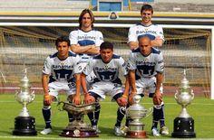 Pumas Bicampeón 2004
