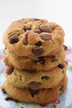 cookie com gotas de chocolate fácil e rápido de fazer. Experimente fazer no aniversário do seu filho, ou para dar de presente.