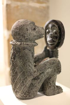 Ape with mirror - Stefan Rinck My Funny Valentine, Garden Sculpture, Lion Sculpture, Statue, Mirrors, Outdoor Decor, Artist, Savages, Mirror