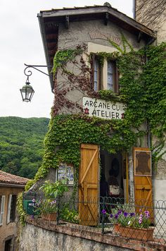 Arcane Leather Workshop in St. Bertrand-de-Commings, France