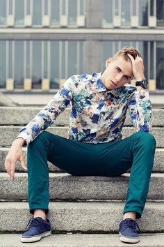 Floral shirt + Colored pants