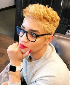 Short Blonde Pixie - Pixie Haircuts for Thick Hair – 50 Ideas of Ideal Short Haircuts - The Trending Hairstyle Short Black Hairstyles, Hairstyles For Round Faces, Pixie Hairstyles, Pixie Haircut, Hairstyles With Bangs, Trending Hairstyles, Weave Hairstyles, Short Hair Cuts, Hairstyles 2016