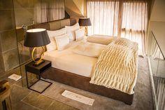 Urlaub an der Weinstraße: Golden Hill Country Chalets & Suites Golden Hill, Loft, Country, Bed, Austria, Hotels, Romance, Furniture, Home Decor
