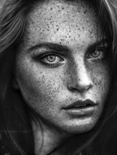 Freckles - Black and White Portrait Photography Foto Portrait, Female Portrait, Portrait Photography, Editorial Photography, Woman Portrait, Nature Photography, Fashion Photography, Beautiful Freckles, Beautiful Eyes