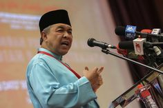 Zahid said that while invitations were usually issued to all news outlets, entry into government premises is still subject to certain rules and regulations. — Picture by Yusof Mat Isa