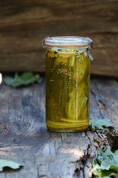 Apetyczna babeczka-Anielska Kuchnia: Ogórki z liściem dębu, pikle dębowe