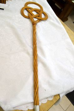 Vintage Wicker Rug / Duvet / Sofa Beater - What a great item to have for your Spring cleaning!