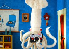 A DIGITAL PRINT from the Hines World Diorama Giant Squid Selfie, printed on heavyweight high-resolution photo satin paper (300 g/㎡) with a high quality Epson ink jet printer.  Image : about 8 x 5.7 (20.4 x 14.6 cm), paper size 11 x 8 1/2 (28 x 21.6cm)  Titled and signed on the back bottom. It ships flat in a cardboard envelope and protected by a plastic sleeve. 日本語でもお気軽にお問合せ下さい!