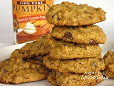 Spice Gals: Oatmeal Pumpkin Cookies I made these Gluten free by using my gluten free flour mix. I also used 1 tsp of pumpkin spice instead of cinnamon. Köstliche Desserts, Delicious Desserts, Dessert Recipes, Yummy Food, Holiday Desserts, Pumpkin Recipes, Fall Recipes, Cookie Recipes, Pumpkin Oatmeal Cookies