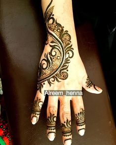 "852 Likes, 8 Comments - Salon Gala Alreem (@alreem_henna) on Instagram: ""#dubai#henna#uae#ad#ajman#rak#ksa#hennaartist#hennaart#hennatattoo#hennabridal#hennawedding#hennablack#india#bakistan#kuwait#wedding#engegment#engagementparty#dress#makuap#makeupartist#makeuptutorial#makeupartistworldwide#sharjah#aldhaid"""